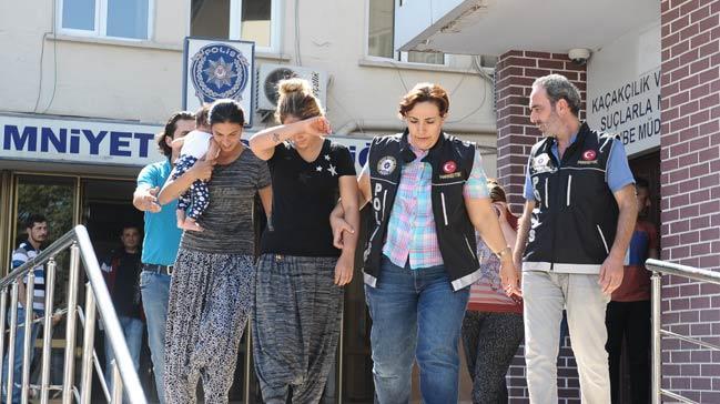 Bursa'da kadın zehir tacirleri adliyeye sevk edildi