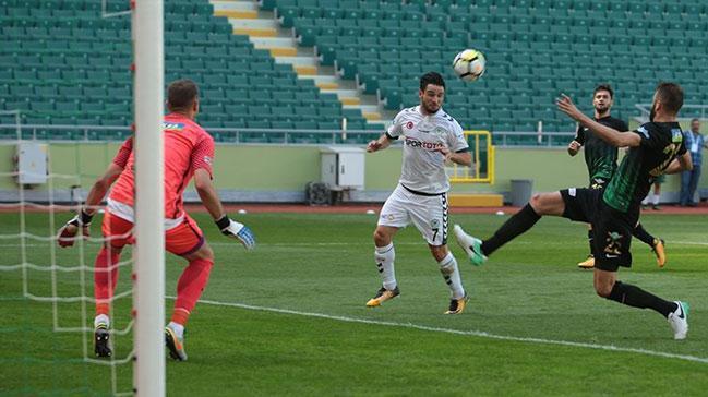 Konyaspor sahasında Akhisar Belediyespor'u 2-0 mağlup etti