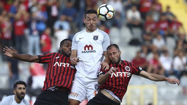 Gençlerbirliği evinde Başakşehir'i 1-0 yenip ligdeki ilk galibiyetini aldı