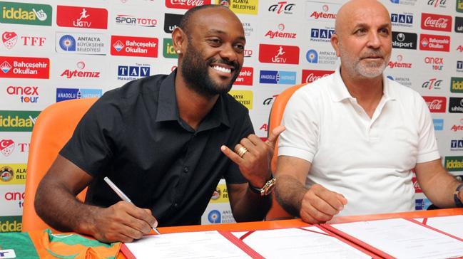 Spor yazarı Levent Tüzemen, Vagner Love'ın Galatasaray'ın kapısından döndüğünü söyledi
