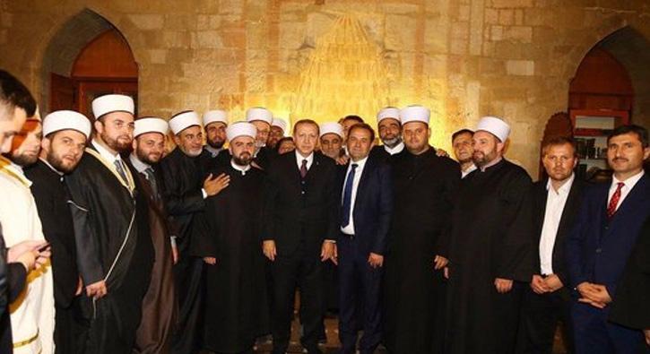 sırbistan erdoğan kuran tilaveti ile ilgili görsel sonucu
