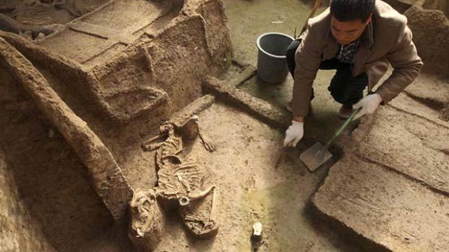 Çin'de 2 bin yıllık mezarlar bulundu