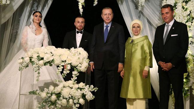 Cumhurbaşkanı Erdoğan ve eşi Emine Erdoğan Gökhan Töre'nin nikah törenine