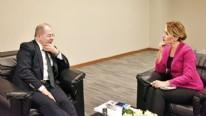 Dertleri Türkiye düşmanlarına sufle vermek