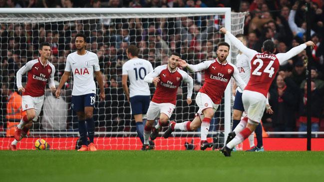 Londra derbisinde Arsenal evinde Tottenham'ı 2-0 mağlup etti