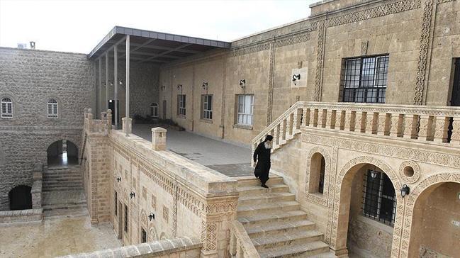 Mor Gabriel Manastırı'na ait kabristanın tapusuna iade kararı sevinçle karşılandı