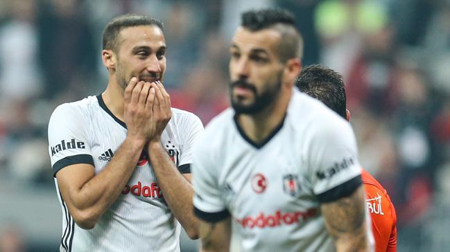 Cenk Tosun'un Beşiktaş'tan önce Galatasaray'a önerildiği ortaya çıktı