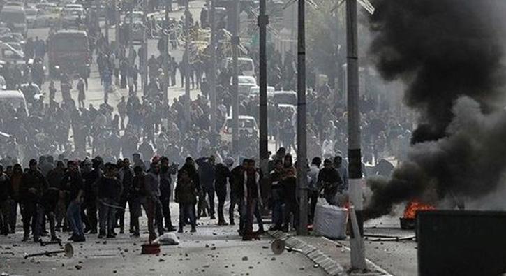 Filistinliler+protesto+i%C3%A7in+Kud%C3%BCs+sokaklar%C4%B1nda