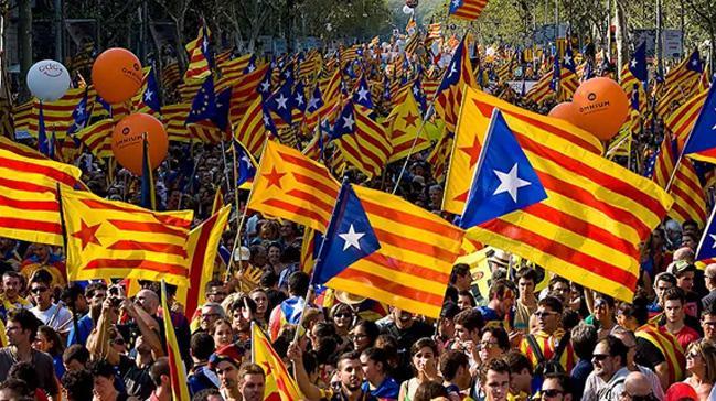 Katalanlardan+Br%C3%BCksel%E2%80%99de+45+bin+ki%C5%9Filik+g%C3%B6vde+g%C3%B6sterisi++