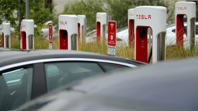 Tesla'nın hızlı şarj istasyonlarını Türk şirketi üretecek