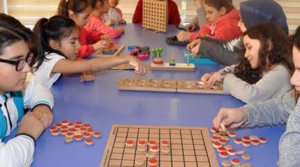 Akıl oyunları ile akıllı nesil yetişiyor