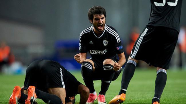 """Mahir Mədətov """"Beşiktaş""""la müqavilə imzaladı"""