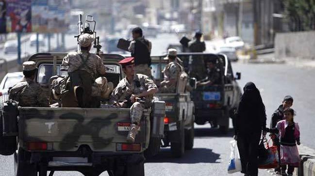 Yemen+h%C3%BCk%C3%BCmet+kuvvetleri,+bat%C4%B1+sahiline+operasyon+ba%C5%9Flatt%C4%B1++