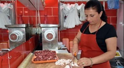 Gümüşhacıköy'ün kadın kasabı
