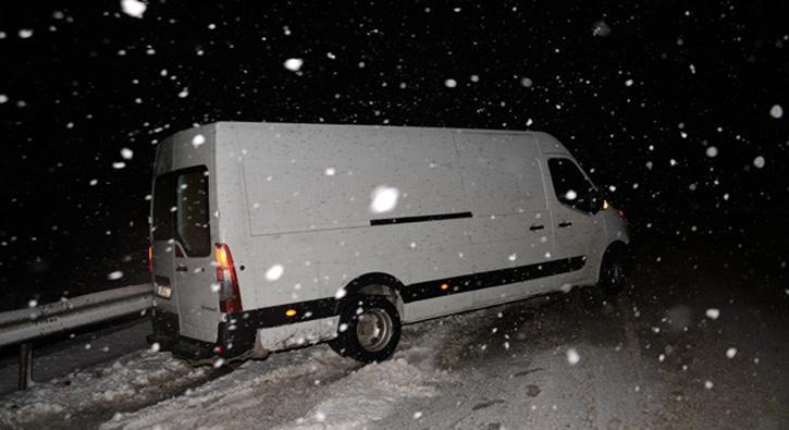 Tokat'ta kar ve tipi ulaşımı olumsuz etkiliyor