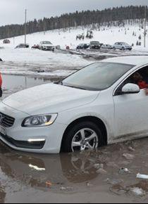 Kars ve Ardahan'da kar yağışı ulaşımı durdurdu