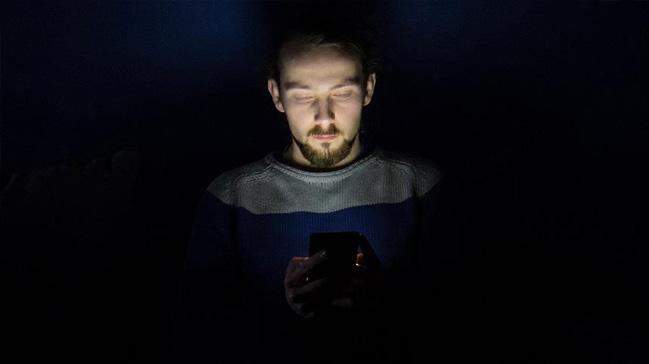 Mavi ışık biyolojik saati bozuyor