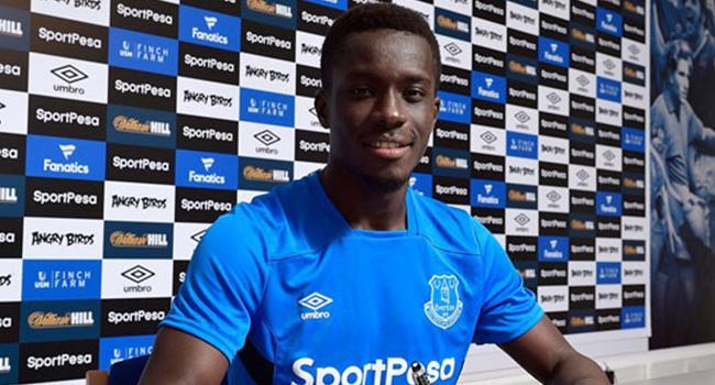 Everton, Gueye ile sözleşme yeniledi