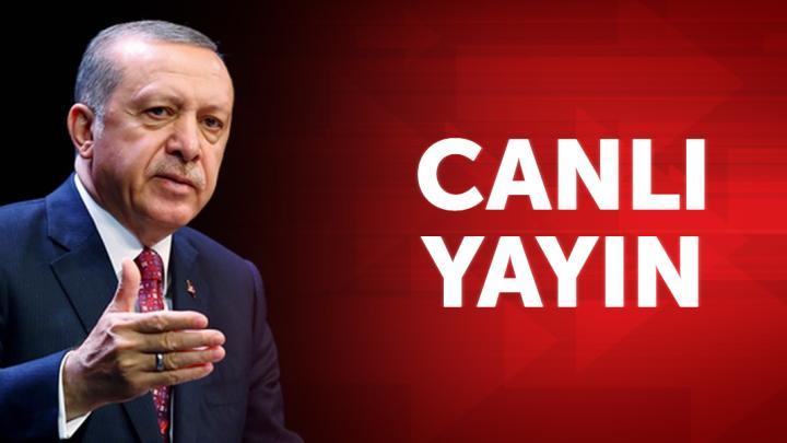 Cumhurbaşkanı Erdoğan, Osmaniye'de kongre öncesi halka hitap ediyor
