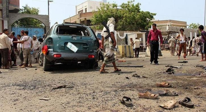 Yemen%E2%80%99de+bombal%C4%B1+ara%C3%A7la+sald%C4%B1r%C4%B1:+6+%C3%B6l%C3%BC,+44+yaral%C4%B1