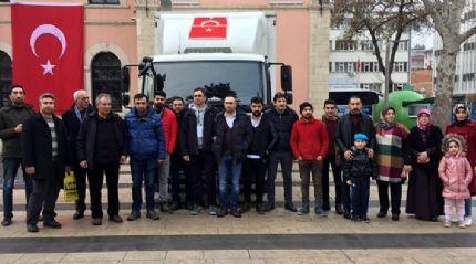 Afrin'deki Mehmetçiklere bir kamyon gıda malzemesi gönderdi