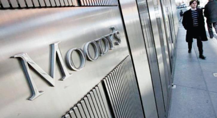 Moody%E2%80%99s+kendi+%C3%A7ald%C4%B1+kendi+oynad%C4%B1