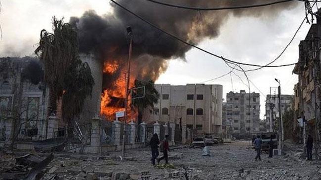 Katil Esed rejimi Doğu Guta'yı bombalamaya devam ediyor