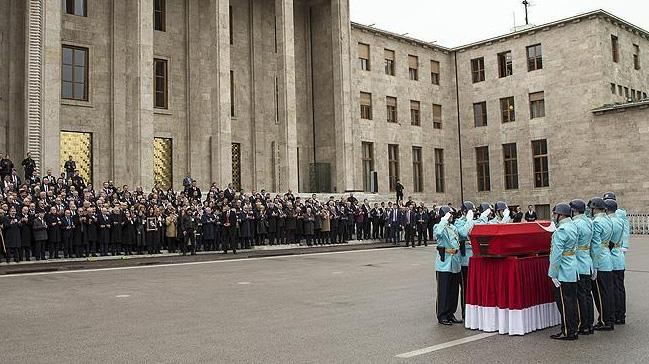 Eski büyükelçi ve MHP Milletvekili Deniz Bölükbaşı için TBMM'de tören düzenlendi