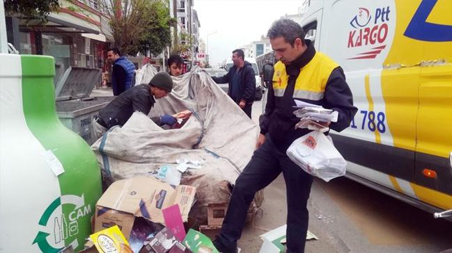 Hurdacı çocuk resmi evrakları çöp zannedip aldı