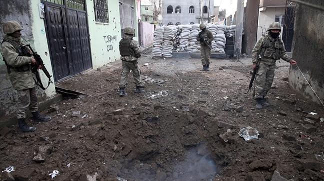 Muhalefet, 'çukur ve barikat operasyonları'nda şehit olan 793 asker ve polisi unuttu