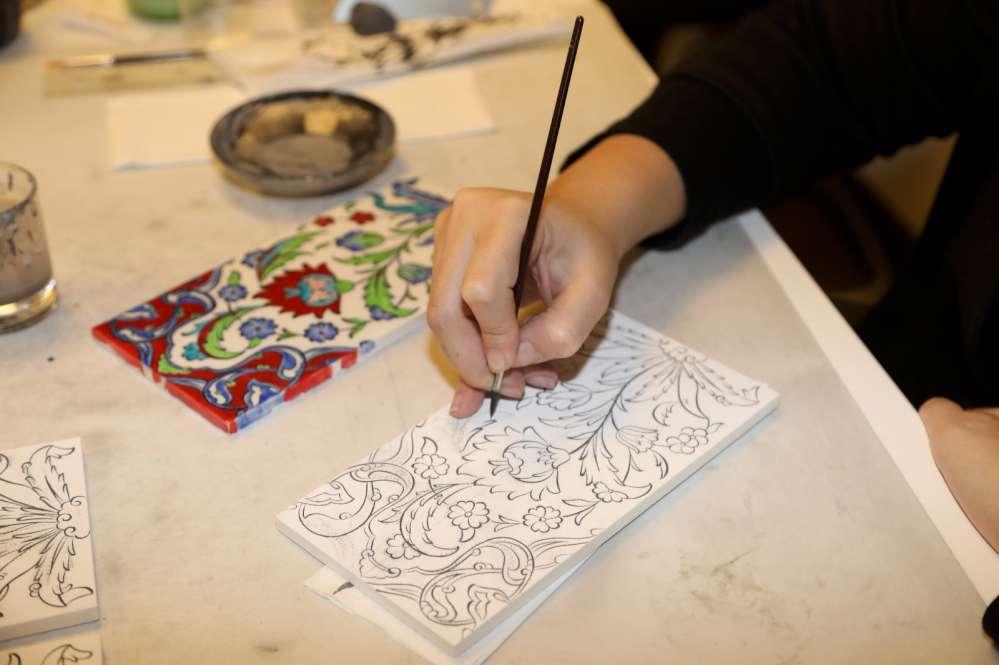 Geleneksel sanatlar hünerli ellerde can buluyor