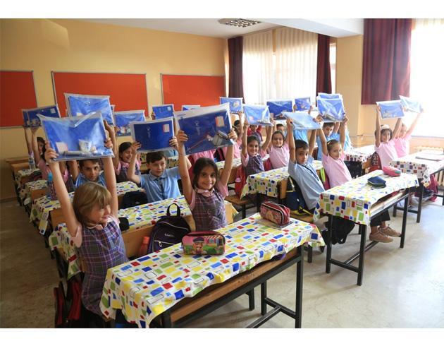 İBB'den ilk, ortaokul ve lise öğrencilerine eğitim desteği