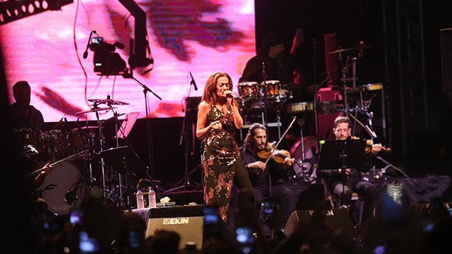 Yıldız Tilbe, Edirne'de konser verdi