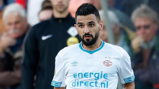 PSV Eindhoven'da yedek kalan Aziz Behich, Fenerbahçe'ye haber gönderdi: Seve seve gelirim