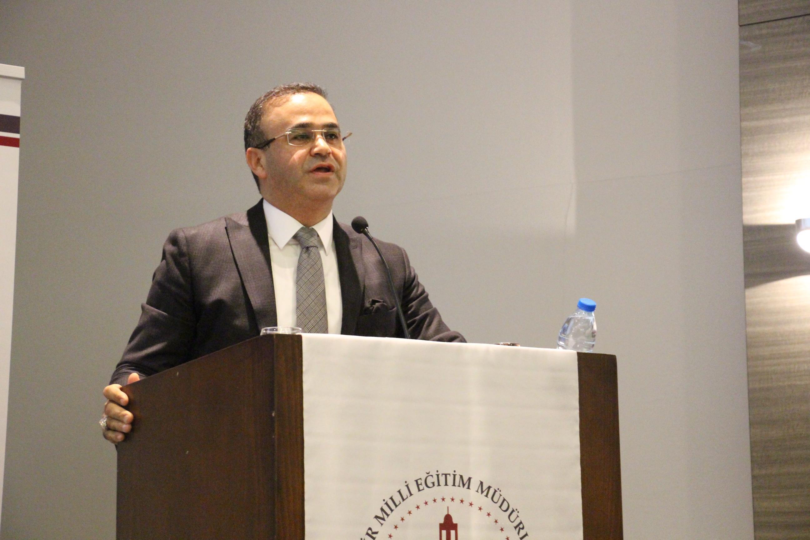 Eğitimin vizyonu İzmir'de  konuşuldu