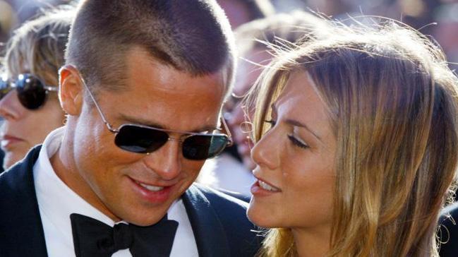 Brad Pitt Jennifer Aniston'ın doğum günü partisine katıldı!