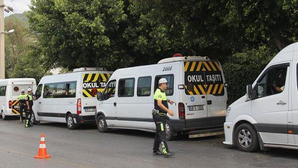81 ilde eş zamanlı operasyon: 243 araç trafikten men edildi