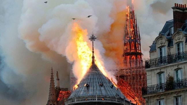 Philippe: Notre Dame için mimarlara tasarım davetinde bulunacağız