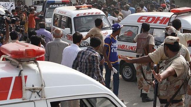 Pakistan'da silahlı saldırgan 14 kişiyi öldürdü