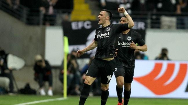 Eintracht Frankfurt mucizeyi gerçekleştirdi
