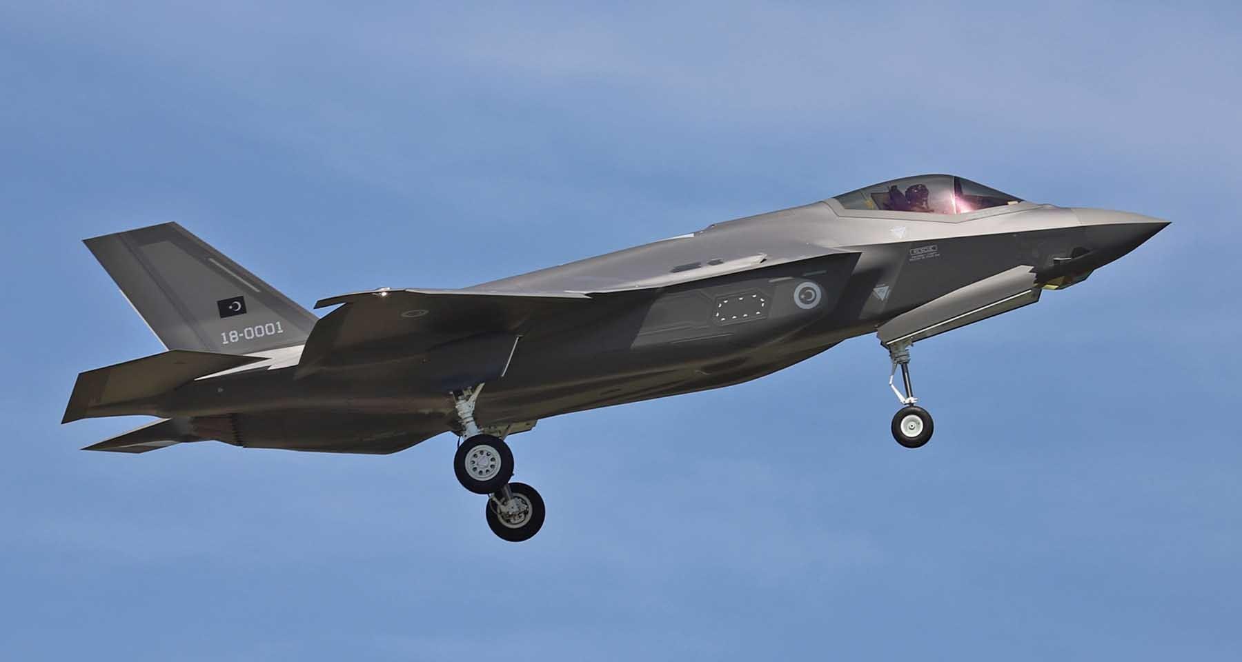 Bakan Akar: F-35 konusunda tabii B planımız var