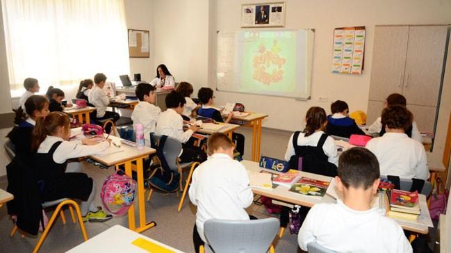 MEB yabancı dil eğitimini masaya yatırıyor
