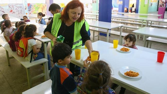 İrlandalı kadın mülteci çocuk ve kadınlar için İzmir'de dernek kurdu