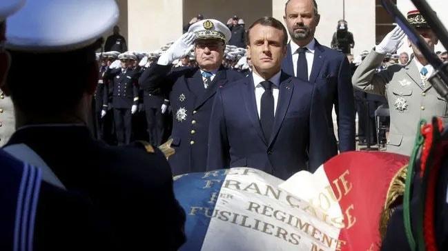 Macron'dan ölen Fransız askerlerine ilişkin açıklama yaptı