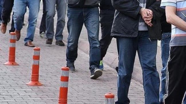 3 ilde FETÖ operasyonu: 5 gözaltı