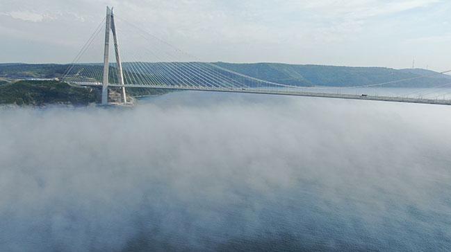 Boğaz'a sis çöktü: Kartpostallık görüntü ortaya çıktı