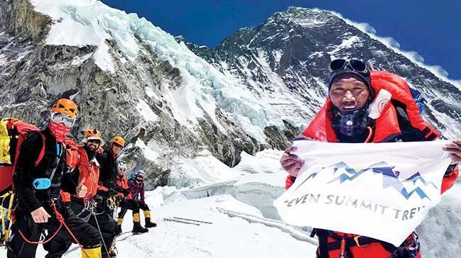 23. kez Everest'in zirvesinde
