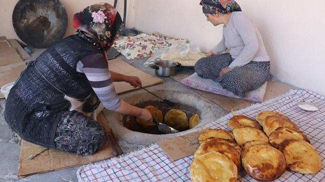 Doğu Anadolu'nun gizli lezzeti 'Tandır ketesi' tok tutma özelliği ile tercih ediliyor