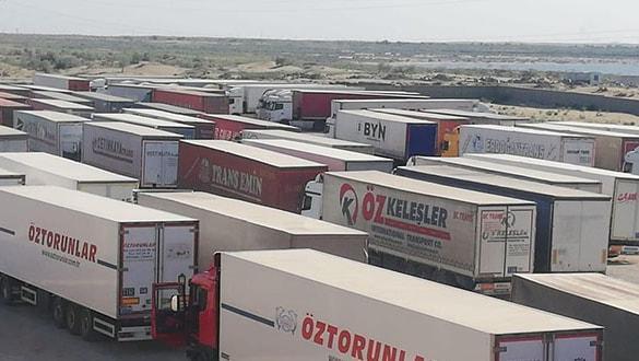 Yüze yakın Türk TIR şoförü, 26 gündür Özbekistan'da mahsur