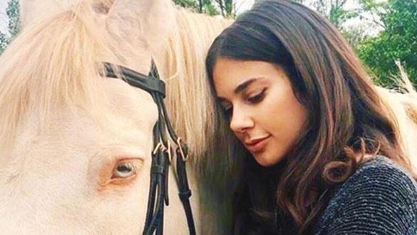Defne Samyeli'nin kızı Deren Talu oyuncu oldu